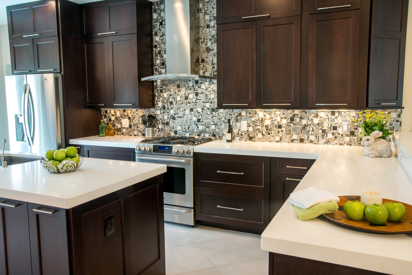 Malloy kitchen carriage house custom homes interiors inc for Carriage house kitchen cabinets