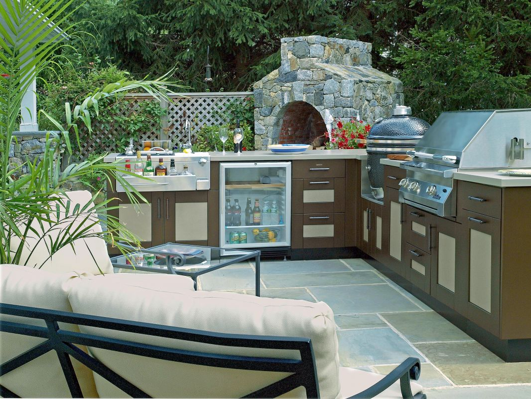 Brown Jordan Outdoor Kitchens Brown Jordan Outdoor Kitchens Carriage House Custom Homes