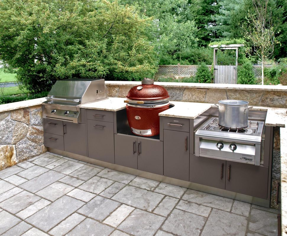 brown jordan outdoor kitchens newage product brown jordan outdoor kitchens is known to be the highest quality of outdoor kitchen cabinets in industry today as powder coat weather resistant carriage house custom homes